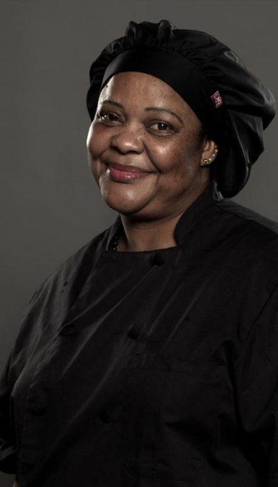 Anastasia Eyanga | Ayudante de cocina